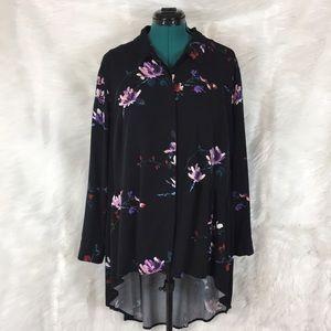 ⬇️AVA & VIV high-low floral top size 2X